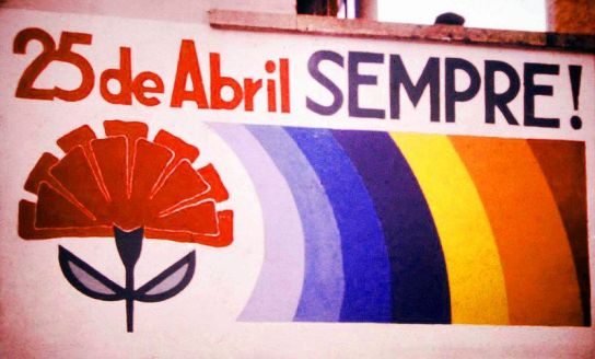 800px-25_de_Abril_sempre_Henrique_Matos